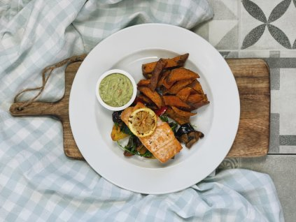 STEAK Z LOSOSA V ŘASE NORI, batátové a zeleninové hranolky #bezlepek